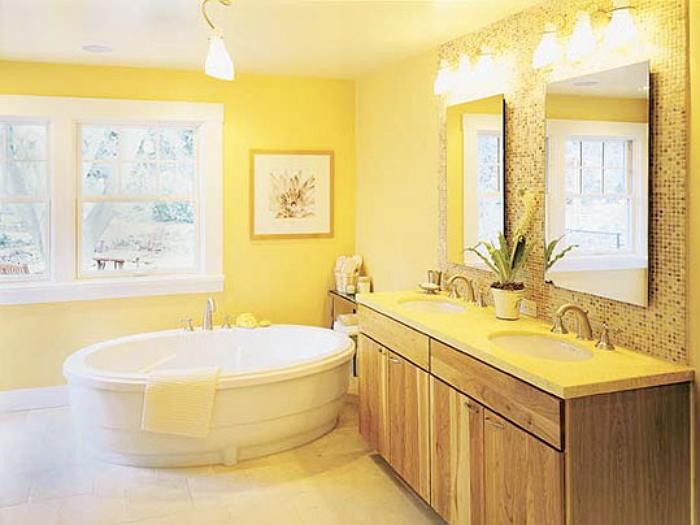 Покраска стен в ванной в желтый