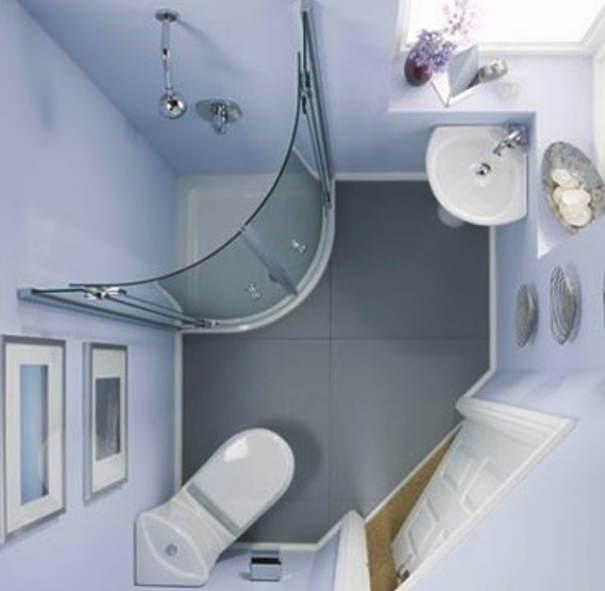 Небольшая ванная с душем