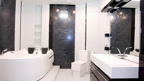 ванная комната в чёрном цвете