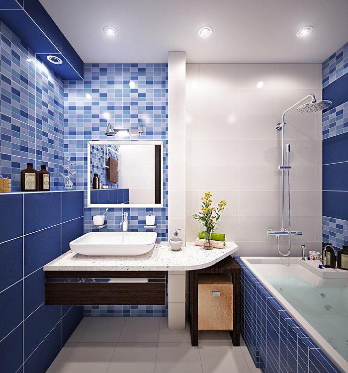 Маленькая ванная в синем цвете