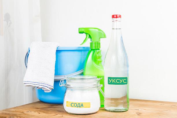 Уксус и сода для очистки ванной