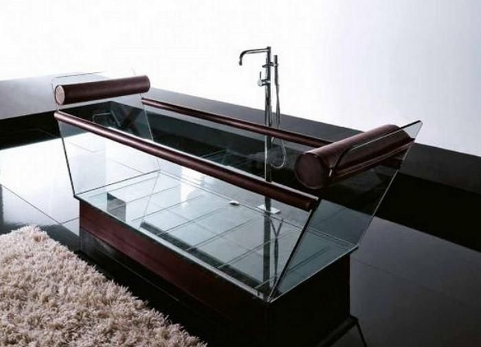 Отдельностоящая ванна из стекла