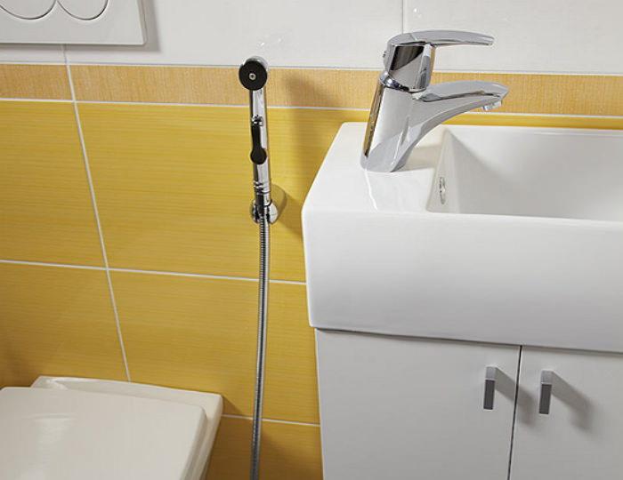 Настенный гигиенический душ скрытого монтажа