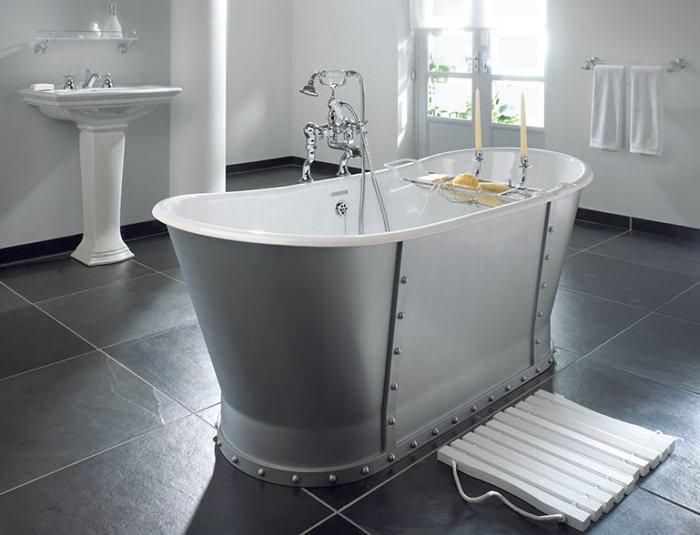 Отдельностоящая стальная ванна