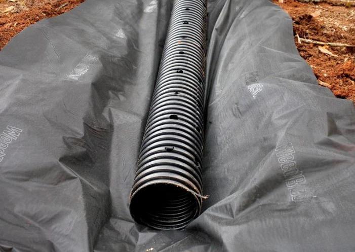 Дренажная труба из пластика
