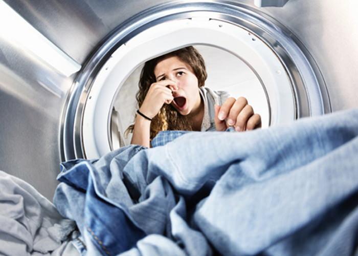 неприятных запах <highlight>в</highlight> стиральной машинке
