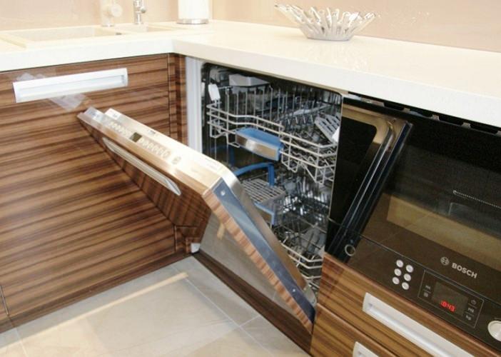 Установка встраиваемой посудомойки