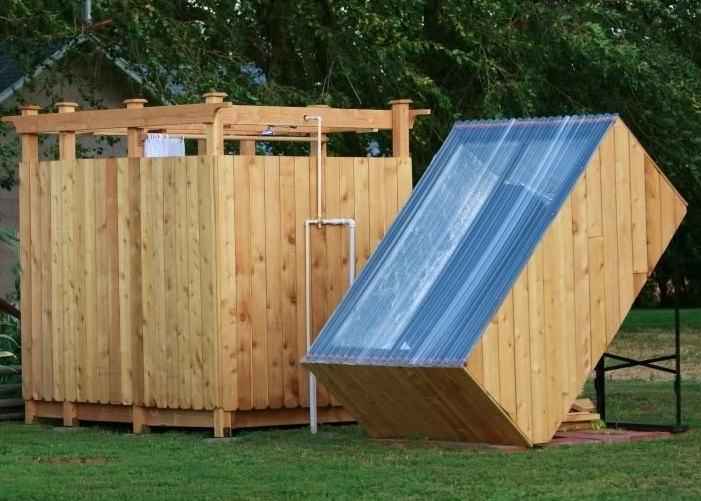 Дачный душ с подогревом на солнечных панелях