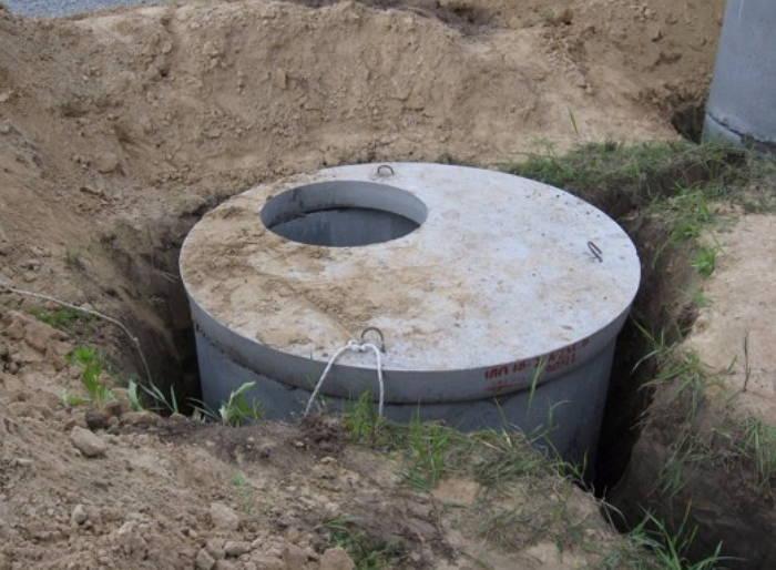 Организация сливной ямы из бетонных колец
