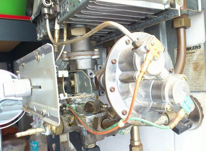 Течет радиатор газового котла