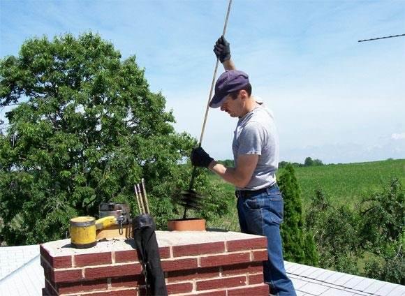 Как почистить трубу дымохода в частном доме от сажи и копоти?